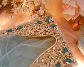 vintage jeweled ornate tissue holder box, filigree gold tone, rhinestones, flowers & jade costume stones, sam fink SF, vintage bath, vanity