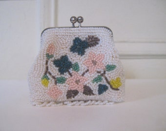 beaded flowers, vintage 1950s kisslock change purse - white and pastel pink, and emerald green, and yellow and bronze