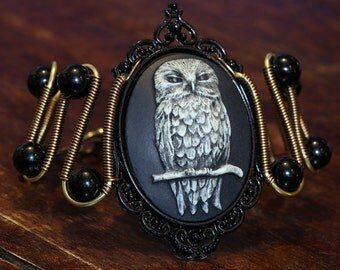 Owl bracelet, Gothic Chic Jewelry - Bracelet - Owl Cameo