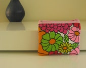 Psychedelic floral print vintage fabric coin purse with green and white lining