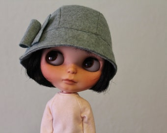 Cloche hat for Blythe heathered mist
