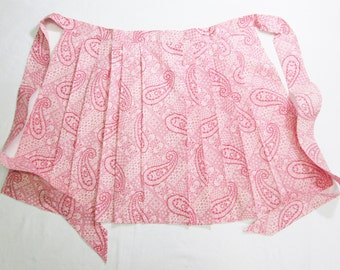 Vintage Apron Pink Pleated Red Paisley Cotton Kitchen Linens UNUSED MINT