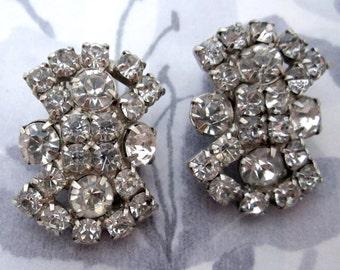 vintage prong set rhinestone clip on earrings - j5672