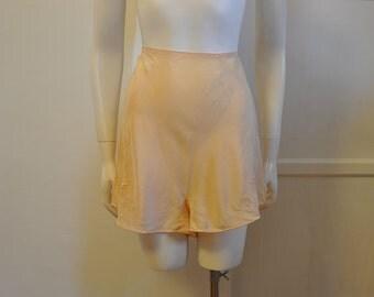 30s tap pants / Darling Vintage 1930's Embroidered Undies Tap Pants