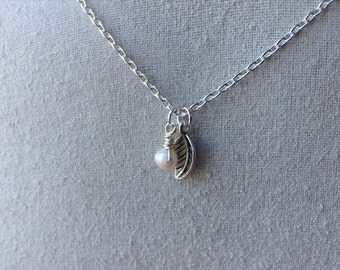 Pearl and Tiny Leaf Silver Necklace