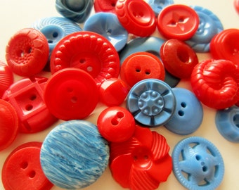 Vintage Buttons - Cottage chic mix of red, and blue, lot of 30, old and sweet( mar 314)