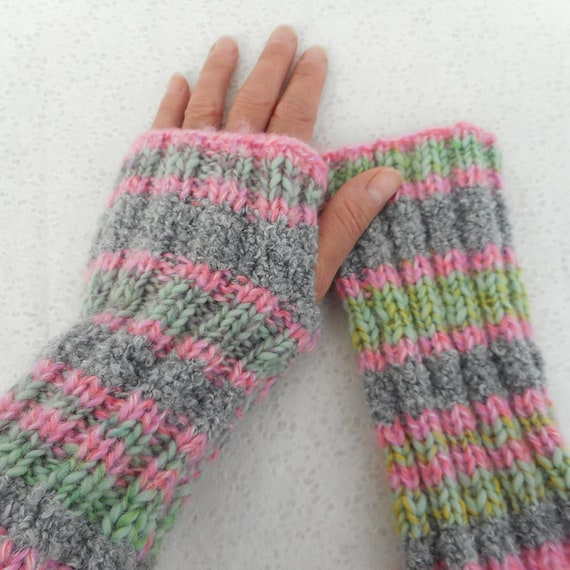 Super Easy Fingerless Gloves Knitting Pattern : KNITTING PATTERN/Fireside Super Easy Glove Pattern by artesana