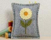 Wool Felt Pincushion • Buttercup Yellow Daisy on Light Grey • Hand Embroidered • Pin Pillow