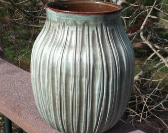 Vase in Porcelain - Handmade Pottery