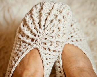 Crochet PATTERN  - Spider Slippers (adult sizes)