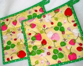 Quilted Strawberry Pot Holders