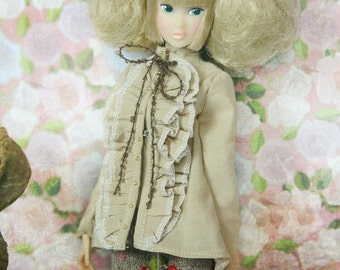 jiajiadoll - camel light browm ruffles shirts fit momoko or misaki or blythe or azone or Jerryberry