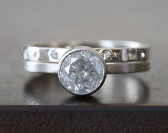 Natural Silver-White Brilliant Cut Diamond Ring