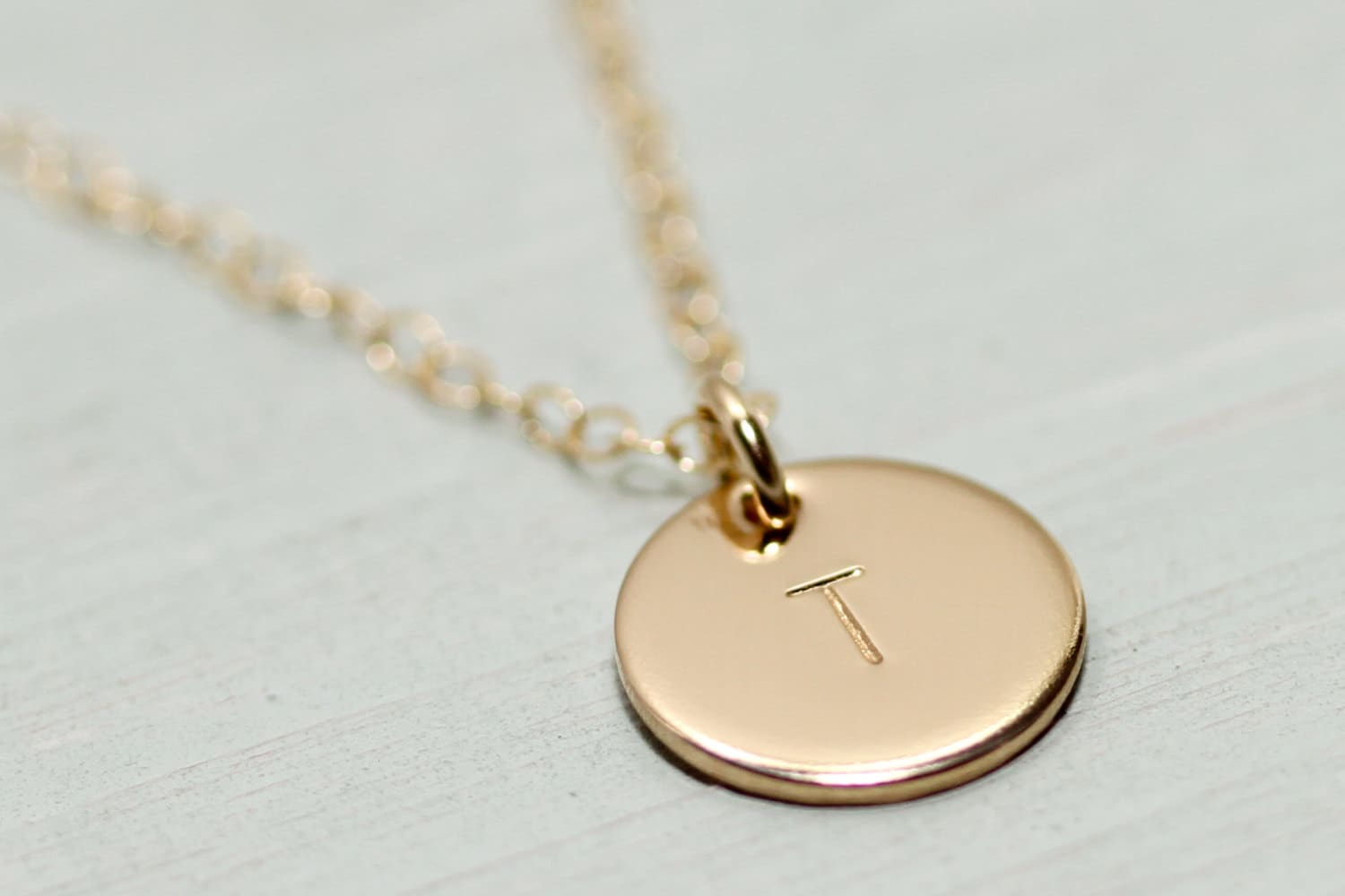 gold disc necklace dainty gold necklace minimalist. Black Bedroom Furniture Sets. Home Design Ideas