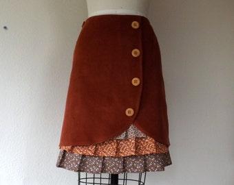Beatrix ruffle front skirt Sz 2