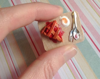 Twin Peaks Pie Pin Brooch