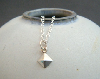 tiny silver pyramid necklace. sterling silver geometric jewelry. small simple pendant. dainty charm. delicate everyday jewelry. gift for her