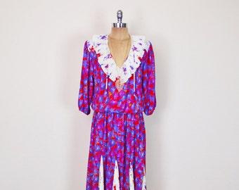 Vintage 80s Assorti For Diane Susan Freis Dress Red Floral Dress Floral Print Dress Pleat Dress Ruffle Dress Ruffle Collar Midi Dress S M