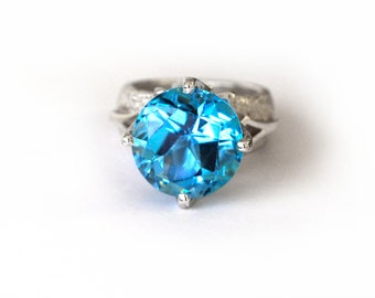 Blue Topaz Snowflake ring || Hand crafted Sterling silver ring || A unique woman ring || Christmas gifts || Winter 2014