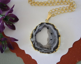 Druzy Necklace Gold, Geode Necklace, Crystal Necklace, Gold Geode Slice Druzy, GG101