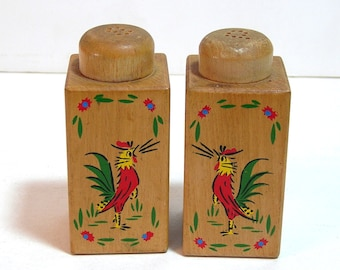 Vintage Wood Salt And Pepper Set With Roosters