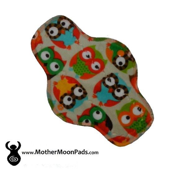 "10"" Owls Minky Moderate Flow Cloth Pad"