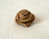 Linen flower lapel pin. Men's boutonniere. Men accessories. Rose boutonniere. Caramel brown. Made in Italy