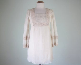60s cream cotton crochet lace mini mod babydoll smocked dress (xs - s)