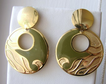 Vintage RA gold and olive green dangling funky earrings (C2)