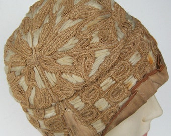 Vintage 1920s Embroidered Horsehair & Wool Yarn Flapper Cloche