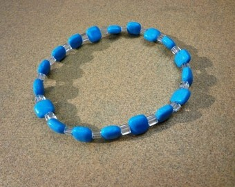 Bracelet Magnesite Gemstone Beads with Clear Glass Beads on Elastic Cord 7.25 Inches