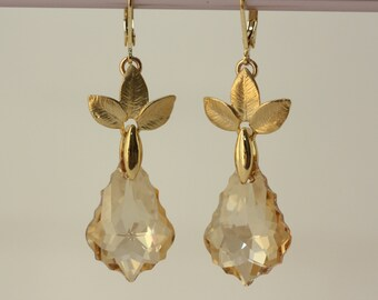Champagne Gold Earrings, Bridal Jewelry, Earrings for Mom, Weddings, Bridal Jewelry, Fashion Jewelry, Gifts