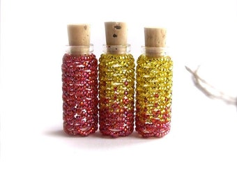 Tiny Seed Beaded Bottle Set Red Yellow Flames Small Container Handmade Home Decor Beadwoven Glass Vial Cork Beadwork Little Bud Vase