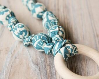 Teal and white organic cotton nursing / babywearing necklace - wooden beads, ecological teething ring, organic cotton - Free Shipping