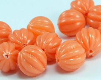 10 pcs Light  Round Plastic Beads , 12 mm , Vintage German Beads , Lucite Beads