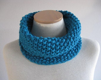 Merino Wool Neck Warmer. Hand Knit, Extra Chunky Circle or Infinity Scarf in Turquoise. Winter Accessories.