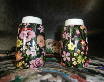 Vintage Black Floral  Numbered c-7631 c- 7927  Salt and Pepper Shakers Mint 308-2