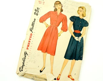 Vintage 1940s Womens Size 14 One Piece Dress Simplicity Sewing Pattern 1811 / bust 32 waist 26 / Complete