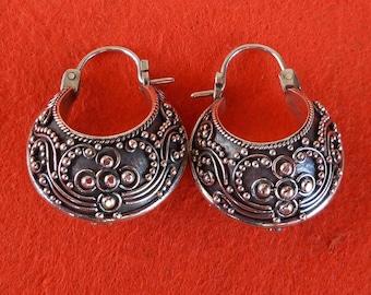 Granulation silver technique  Silver Sterling hoop Earrings / silver 925 / Bali handmade jewelry ( #148K )
