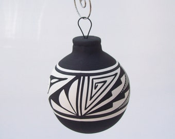 Southwest Ornament Bulb Black