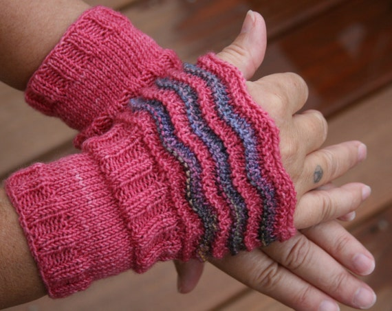 Pattern Fingerless Wrist Warmers Pattern by leedrasheirloomgoods