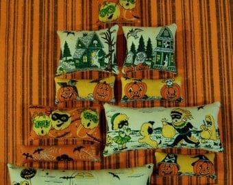 Set of 12 Grungy Primitive Halloween Ornies Tucks Bowl Fillers