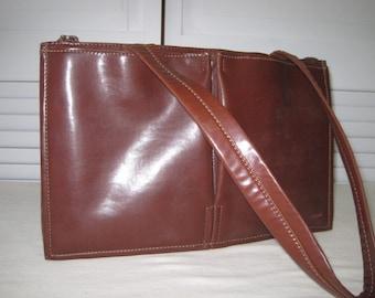 vintage 1980's Saddle Tan Faux Leather Pocket handbag