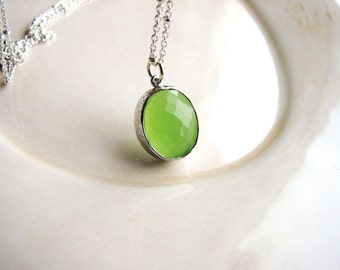 Green Glass Necklace Bezel Glass Jewel Oval Pendant Necklace Green Apple Faceted Stone Necklace Glass Stone Necklace Minimalist Layering