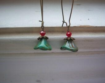 Flower Earrings - Green Czech Bell Flower Earrings - Bell Flower Earrings - Earthy Earrings -Victorian Style
