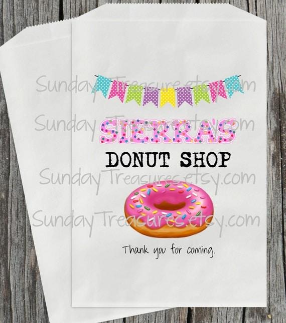 Wedding Favor Donut Bags : Donut with Sprinkles Party Favor Bags / Donut Shop doughnut / Wedding ...