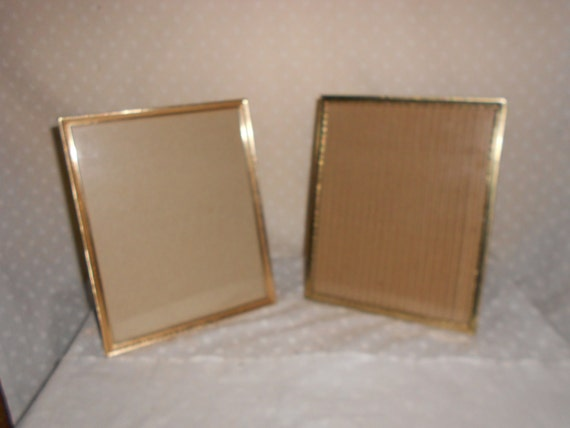 gold tone picture frames 8 x 10 glass set of 2 by pamscrafts7631. Black Bedroom Furniture Sets. Home Design Ideas
