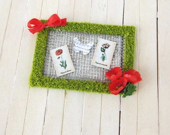 Framed cards with moss and poppies for dollhouse in 1 inch scale