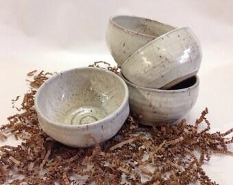 Men's Ceramic Shaving Bowl in Motley White -