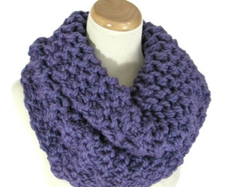 Purple Cowl  Hand Knit Cowl,  Knit Scarf Circle Scarf Purple Scarf, Winter Scarf, Infinity Scarf, Chunky Scarf